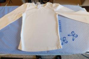 T-Shirt mit der Philips GC7803/20 gebügelt